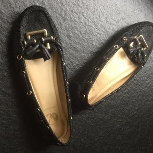 Vince Camuto Signature Black Pebble Leather Flats